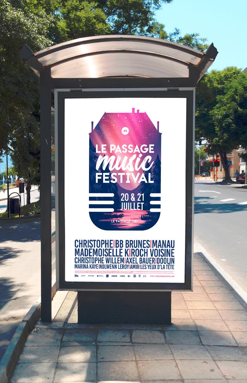 Affichage sur un abris bus de l'affiche du festival Le Passage