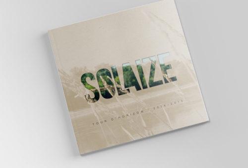Couverture de la brochure municipale de Solaize avec le logo et une photographie des bords de l'eau