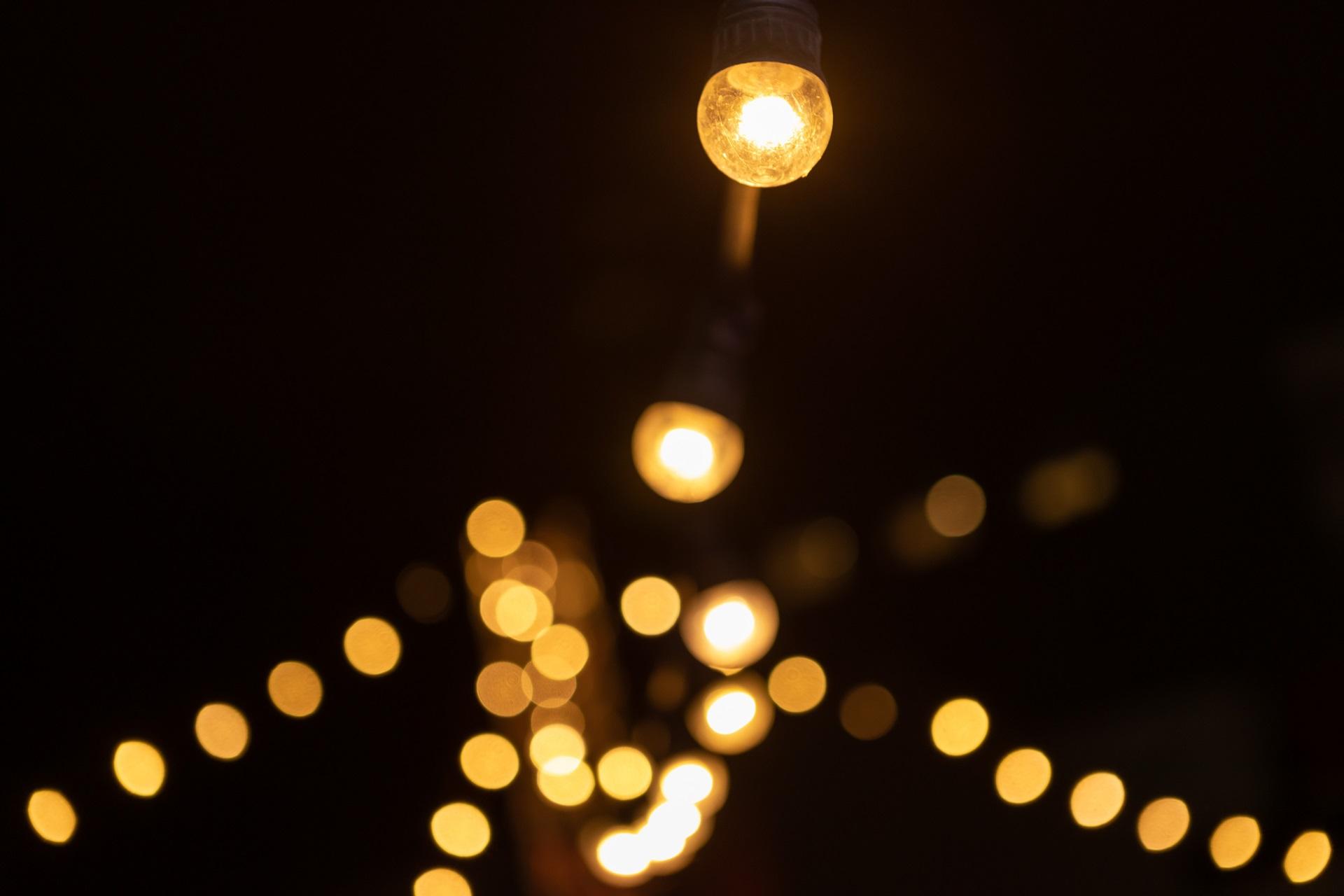 Focus sur la guirlande de lumière mise en place pour l'événement Bouygues Immobilier