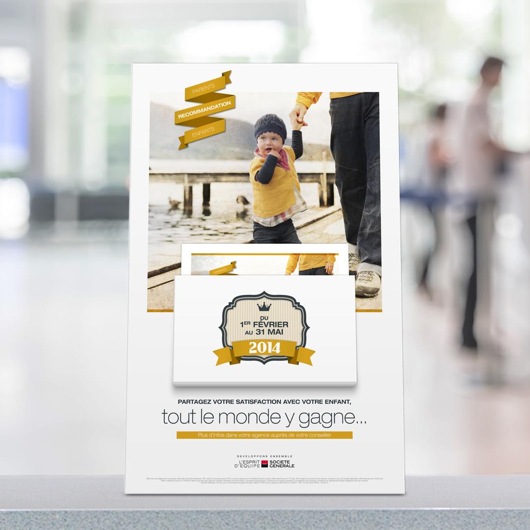 Support pour brochure sur les guichets de la banque Société générale aux couleurs de la campagne