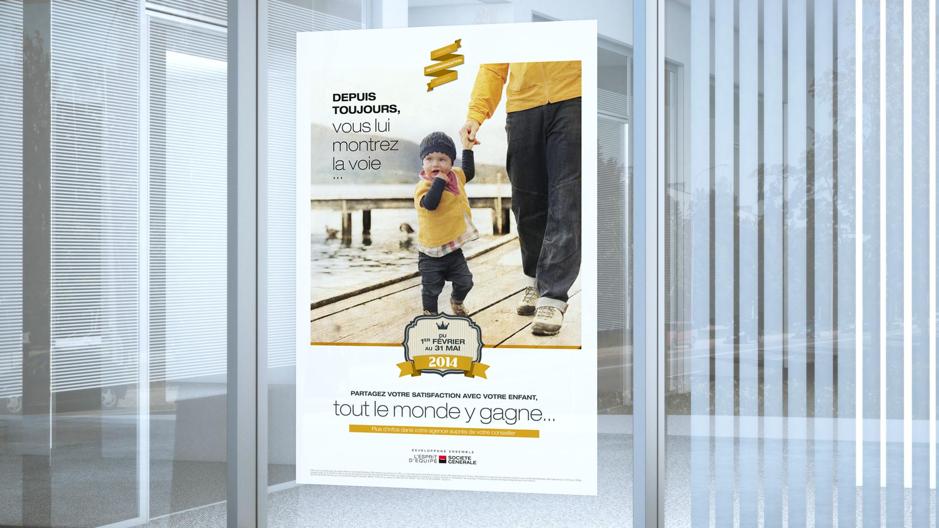 Affiche dans les agences de vente de Société Général pour promouvoir l'offre parents/enfants