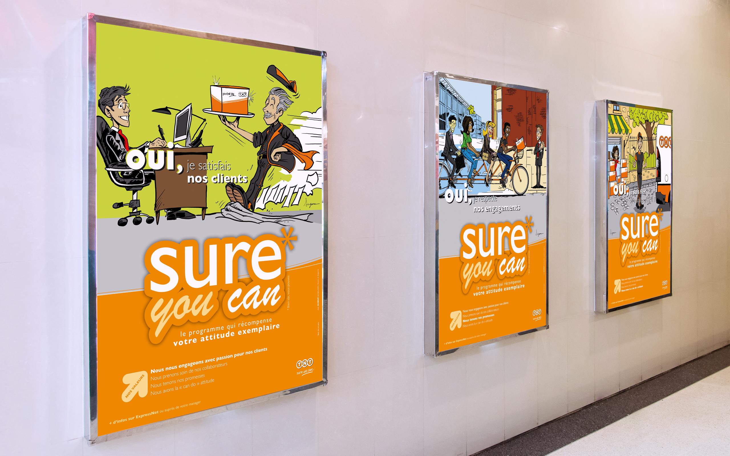Mise en situation de plusieurs affiches de la campagne SURE YOU CAN avec 3 modèles d'affiches